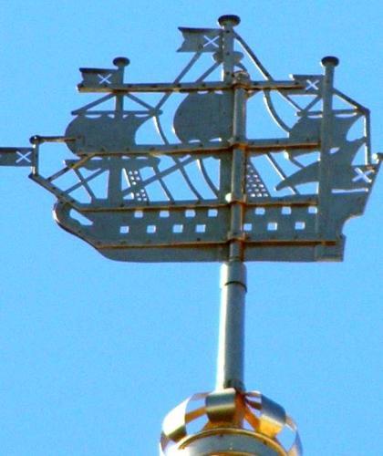 горячее эксклюзивное что установлено на шпиле петербургского адмиралтейства душе